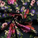 Атлас шелковый (красочные цветы на черном) (009534)